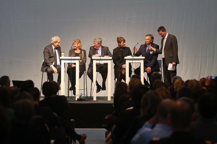 burgemeesters-op-het-podium-netwerkdag-nzk-2014
